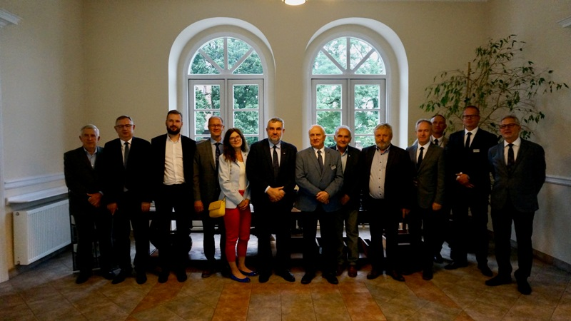 Spotkanie przedstawicieli hodowli roślin z Grupy spółek Instytutu Hodowli i Aklimatyzacji Roślin z ministrem rolnictwa